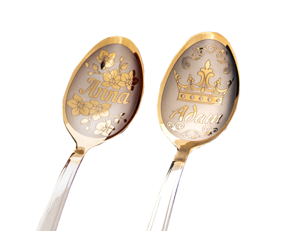 2 łyżeczki nierdzewne srebrne-złotego koloru z grawerem imion