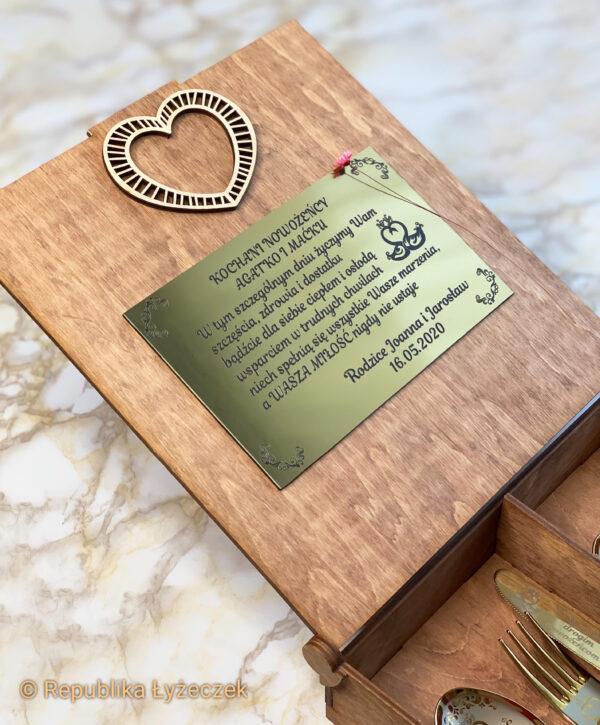 tablica z życzeniami ślubnymi